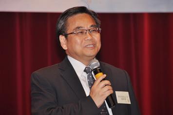 本會總幹事郭烈東先生JP為大會致歡迎辭