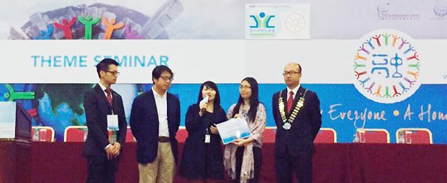 圖片: 《奶奶的一碗麵》獲九龍青年商會頒發最佳共融活動微電影(公開組)獎項,影片獲勞工及福利局副局長蕭偉強先生(左二)的高度評價。